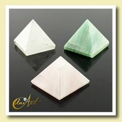 quartz pyramid, 2cm