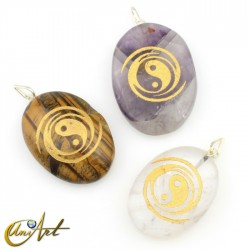 Pendant with The Yin and the Yang engraved in Natural Stone