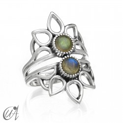 Shiva ring in sterling silver and labradorite