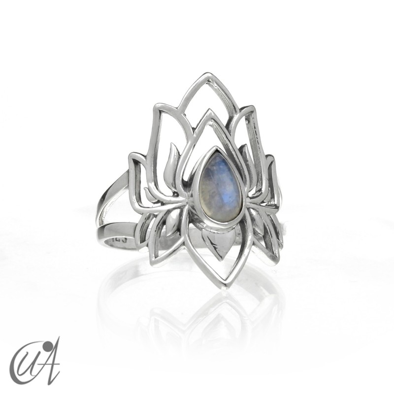 Moonstone ring in sterling silver, Brahma