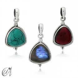 Trillant pendant in silver and gemstone