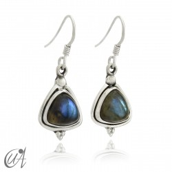 Earrings in silver and labradorite stone