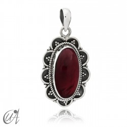 925 Silver and garnet - Vintage Oval Pendant