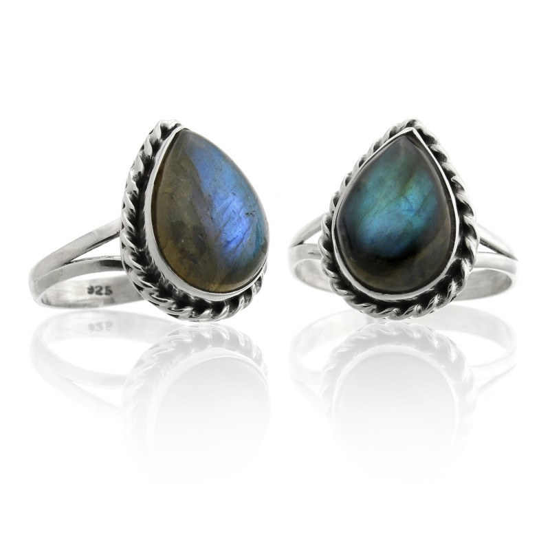 Drop ring, labradorite in 925 silver liana model.