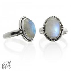 Piedra luna con plata de ley, anillo oval