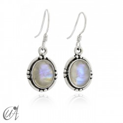 Oval earrings in sterling silver with moonstone