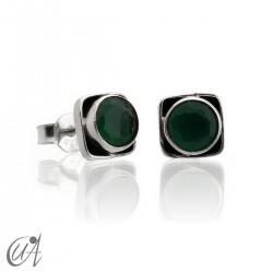 Square earrings in 925 silver and emerald