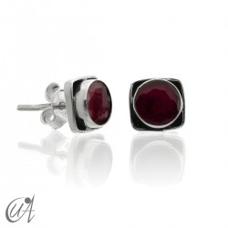 Square earrings in 925 silver and ruby