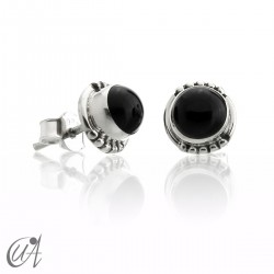 onyx and sterling silver, round earrings model Hecate