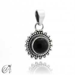 Suno pendant in 925 silver with natural onyx