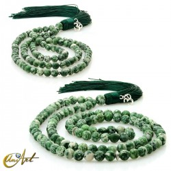 Tibetan buddhist mala beads of spot green jasper