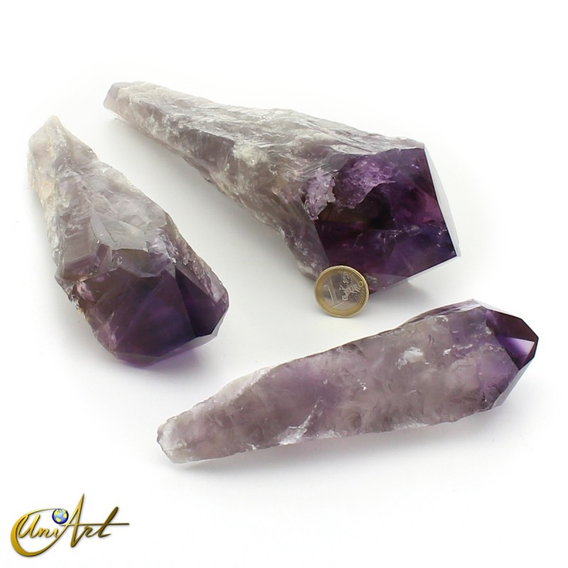 Amethyst Scepters exemples - 850 grams, 500 grams and 300 grams.