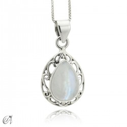Lahab pendant in sterling silver with natural moonstone
