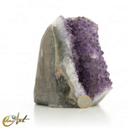 Beautiful amethyst druse with tips