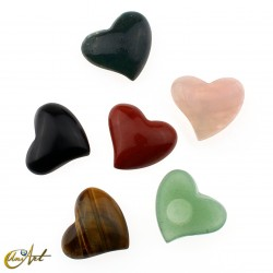 Cabochon heart of semi-precious stones