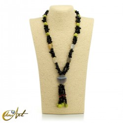 Black chips necklace with various stones