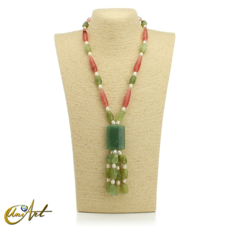 Necklace with natural stones - model 1