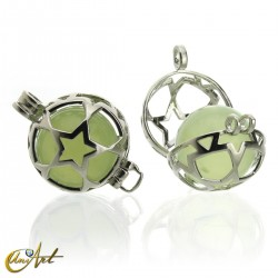 Cage pendant for sphere with jade sphere