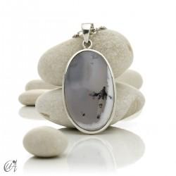 Colgante ovalado en plata 925 y ópalo dendrítico