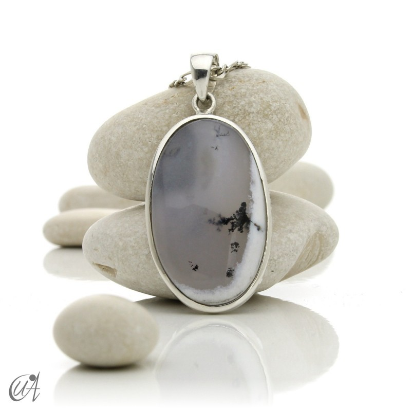 Oval pendant in 925 silver and dendritic opal, model 1