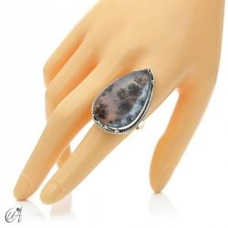 Ópalo dendrítico en plata de ley, anillo gota, talla 21 modelo 2