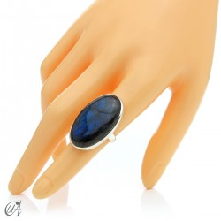 Sterling silver oval ring with labradorite, size 14 model 3