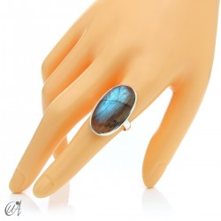 Sterling silver oval ring with labradorite, size 19 model 2