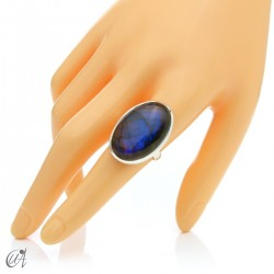Sterling silver oval ring with labradorite, size 20 model 2
