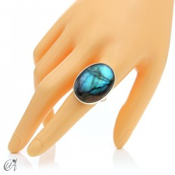 Sterling silver oval ring with labradorite, size 22