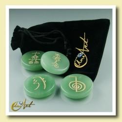 Set of green quartz with Reiki symbols - model 1