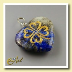 Clover heart pendant of lapis