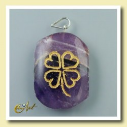 Clover - pendant engraved of amethyst