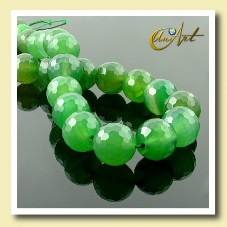 Green Agate Bead - 16 mm Round faceted - detail