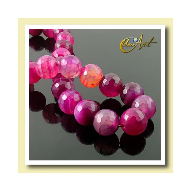 Strings of fuchsia agate faceted 16 mm - detail