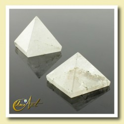 white quartz pyramid, 2cm