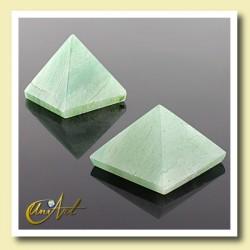 green quartz pyramid, 2cm