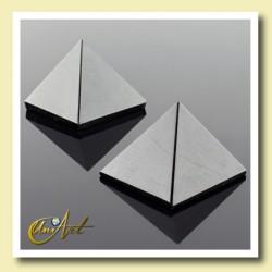 Pyramid of 2 cm of black tourmaline