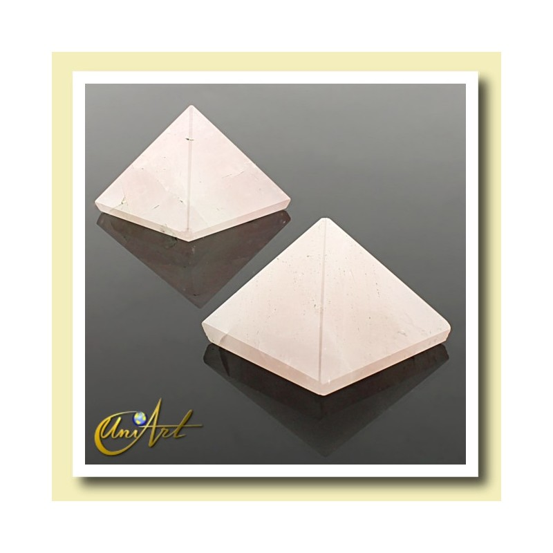 Pyramid 2.5 cm - rose quartz