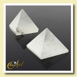 Pyramid 2.5 cm - white quartz