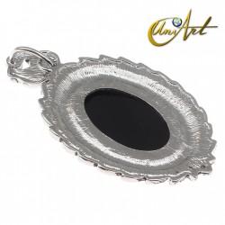Victorian oval pendant