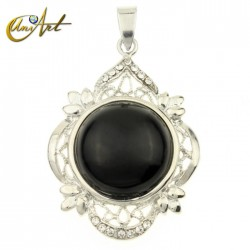 Round gothic onyx pendant