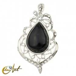 Gothic tear pendant of onyx