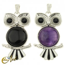 Owl, pendant with semi precious stone