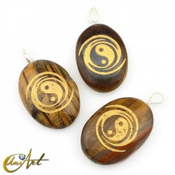 Pendant with The Yin and the Yang engraved in tiger eye