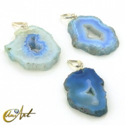 Slap blue agate pendant