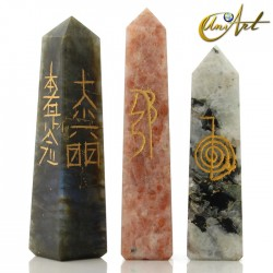 Obelisk form conductor with Reiki symbols