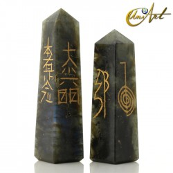 Conductor forma obelisco con símbolos Reiki - Labradorita