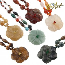 Natural stone necklaces with flower pendant