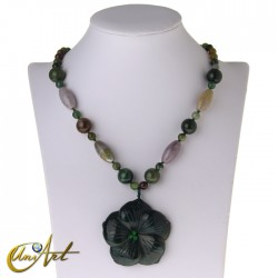 Indian agate necklace with flower pendant