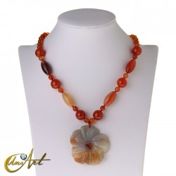 Carnelian necklace with flower pendant